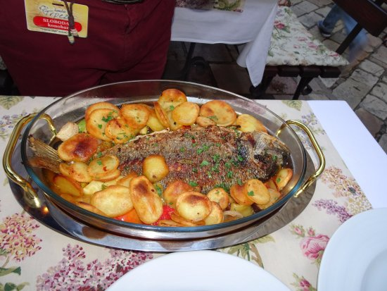 Kotor Municipality, Montenegro: Delicious fish baked with potatoes