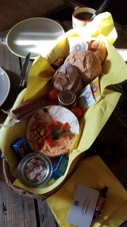 Leiben, Austria: Das kleine Frühstückskörbchen (Mhhhh!!!!)