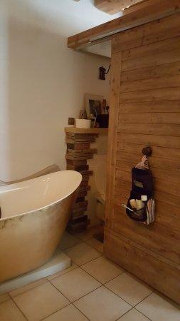 Leiben, النمسا: Badewanne und WC