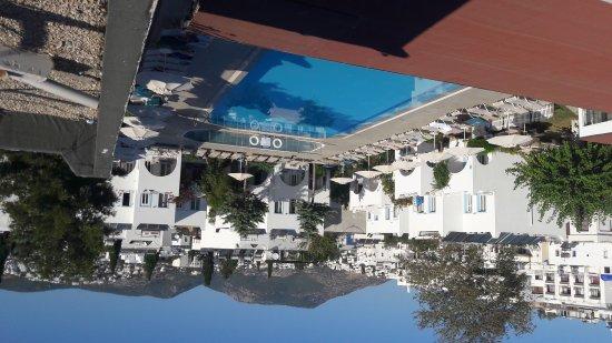 Hotel Bagevleri : Mükemmel bir manzara havuz..