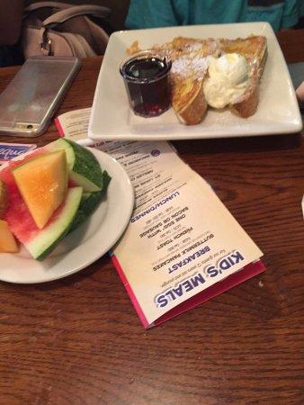 Whittier, Kaliforniya: Marie Callender's Restaurant & Bakery