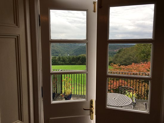 Gulworthy, UK: Room 4 and balcony view over Tamar Valley