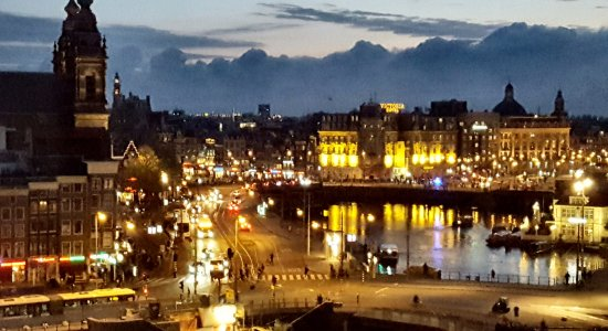 DoubleTree by Hilton Hotel Amsterdam Centraal Station: The view from our room
