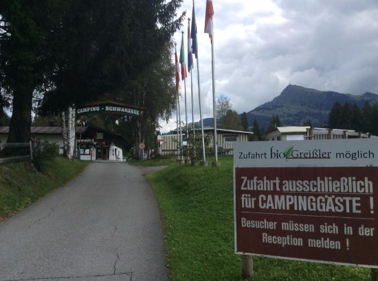 Hotel Bruggerhof: ingresso campeggio