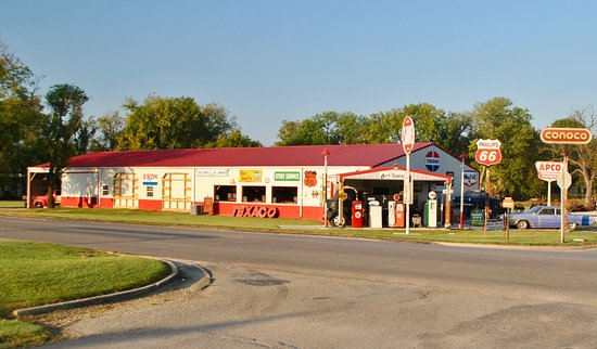 Caney, KS: Gary's Garage Museum