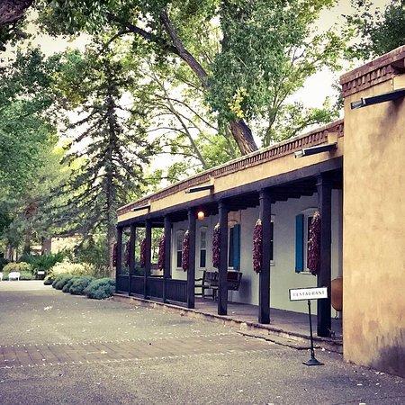 Los Poblanos Historic Inn & Organic Farm: Old historic building.