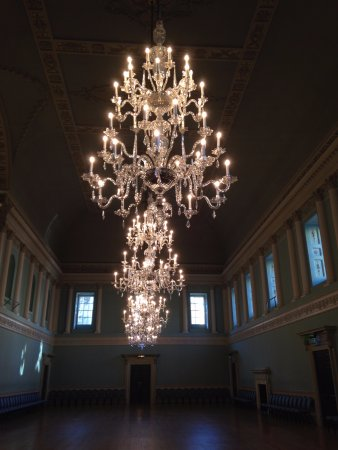 Assembly Rooms: So magnificant!
