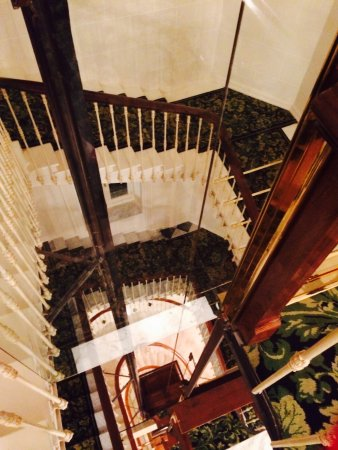 Hotel Du Cap Eden Roc: Main Staircase And Elevator