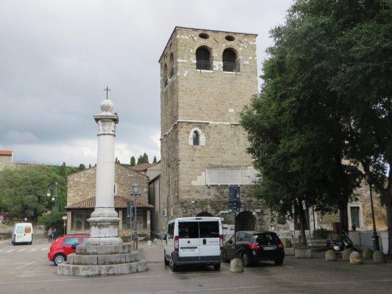 Colonna dell'Aquila