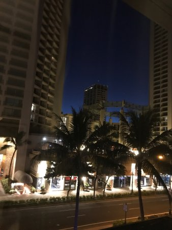 Moana Surfrider, A Westin Resort & Spa: photo0.jpg