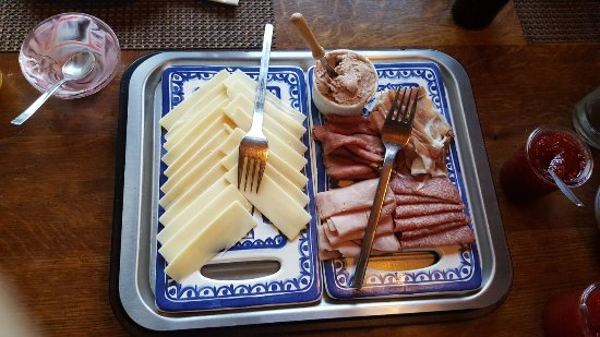 Alpenglow Bed and Breakfast: IMG-20170924-WA0005_large.jpg