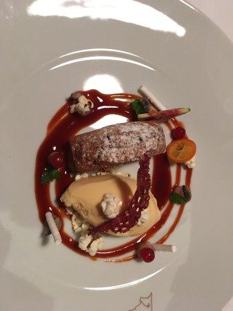 Arlesheim, İsviçre: Cake with chestnut and ice cream