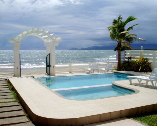 Phi Hotel And Beach Resort In Morong