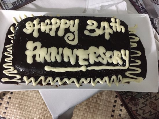 Mai Dive - Astrolabe Reef Resort: When they found out it was our anniversary they made us a cake that day!