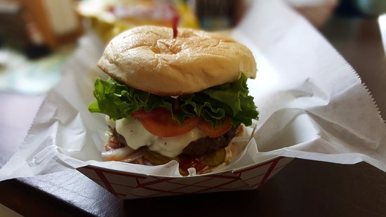 Owls Head, ME: Seven Napkin Burger (and they mean it)