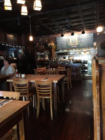 Riley's: Dining area