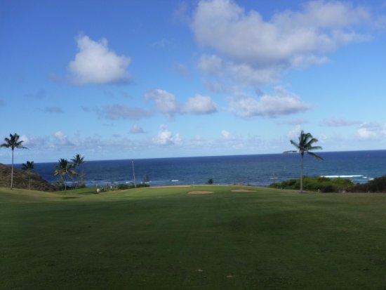 Waiehu Golf Course: The fifteenth green overlooking the ocean again