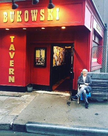 Bukowski's Tavern: photo0.jpg