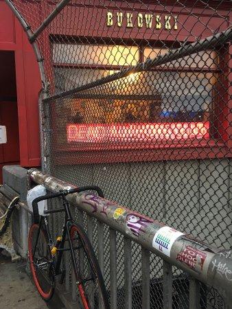 Bukowski's Tavern: photo1.jpg