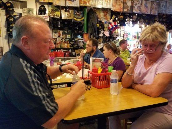 Hunt's Battlefield Fries & Cafe': Hunt's