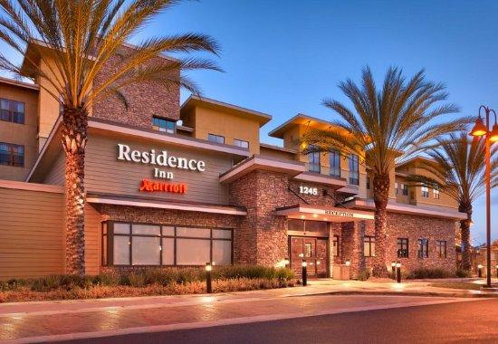 ซานมาร์คอส, แคลิฟอร์เนีย: Entrance