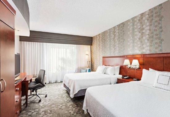 Alcoa, TN: Queen/Queen Guest Room