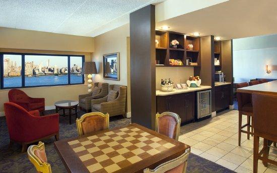 Weehawken, Νιού Τζέρσεϊ: Club Lounge