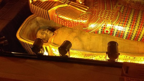 Wadsworth, IL: Egyptian Mummy from Gold House Pyramid