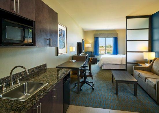 Williston, ND: King Suite