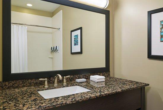 Williston, ND: Bathroom