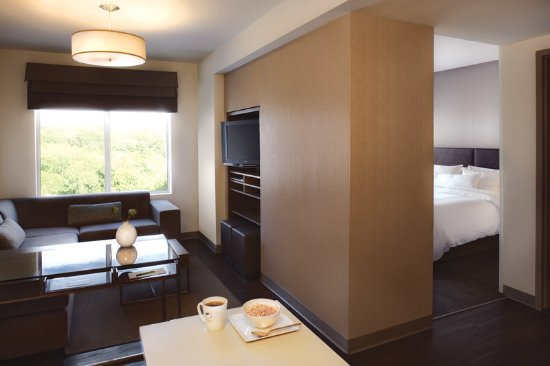Element Lexington: One Bedroom