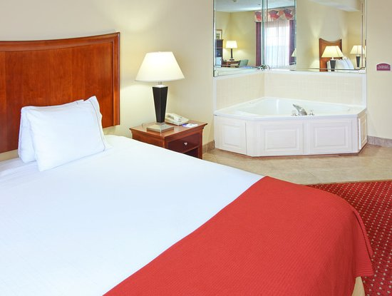 North Little Rock, AR: This Suite is great for a romantic weekend or after a long drive