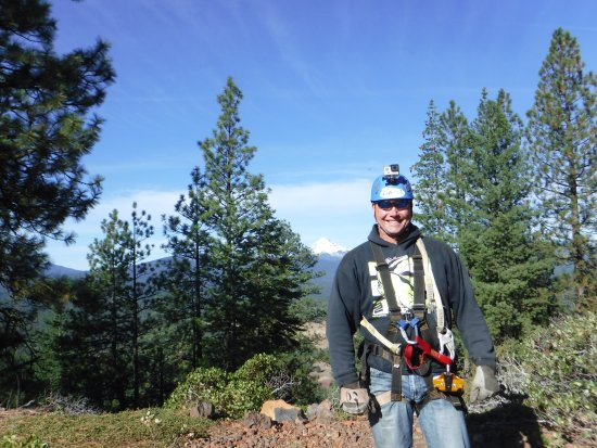 Klamath Falls, OR: Ready for ground school. Mt. McLoughlin in the background