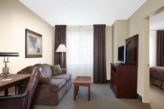 Franklin, WI: One Bedroom King Suite Living Area