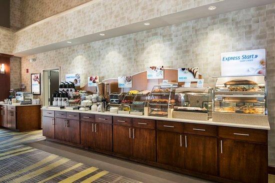 Conway, AR: Breakfast Bar