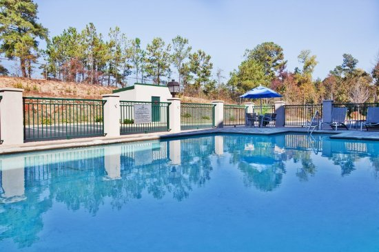 Holiday Inn Express Hotel & Suites Macon West: Swimming Pool