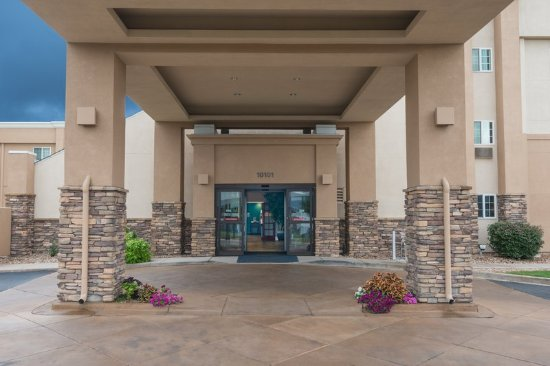 Our Inviting Hotel Entrance Picture Of Holiday Inn Express Hotel Suites Wheat Ridge Denver