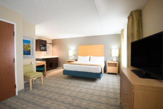 Wheat Ridge, Kolorado: Our Studio Suite is spacious and comfortable