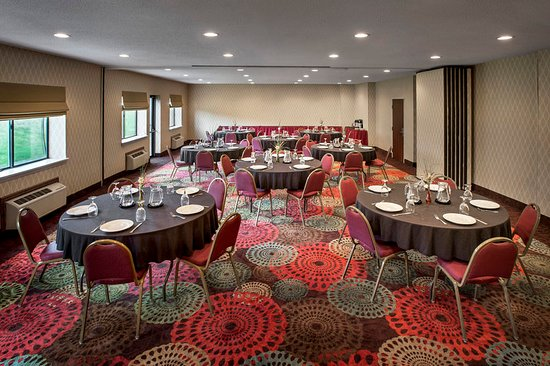 Rensselaer, NY: 1,200 square foot Hudson-Empire Room