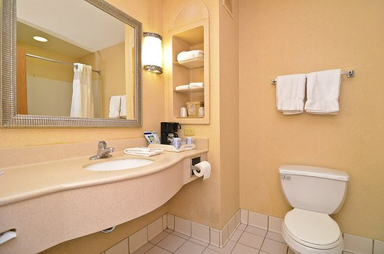 A Sparkling Clean Bathroom In Every Guest Room Picture Of Holiday Inn Express Hotel Suites