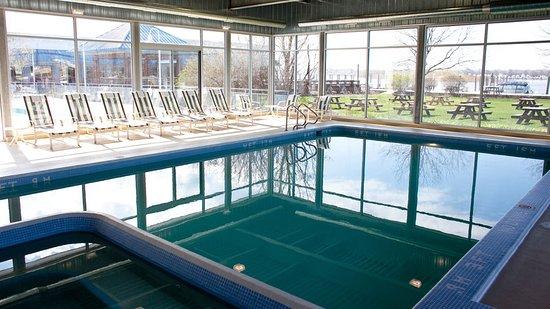 Spring Lake, MI : Swimming Pool