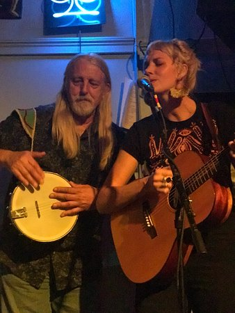 Galveston Island, TX: Ezra Idlet and Dana Louise for Ladies Night at the Old Quarter