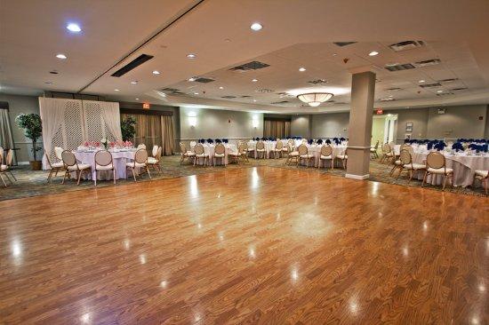 Manahawkin, NJ: Ballroom