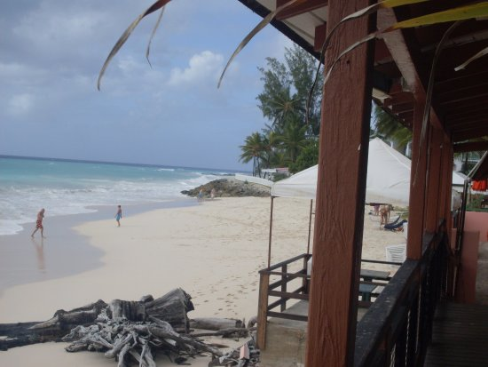 Barbados Beach Club: The beach accessible from the hotel was not very suitable for bathing.