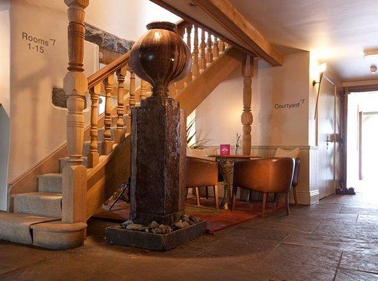 Saint Saviour, UK: Lobby