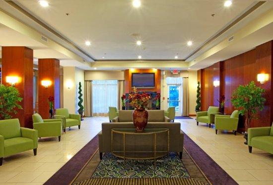 Manassas, VA: Comfortable and spacious lobby