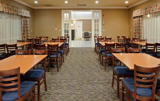 Corning, CA: Breakfast Bar