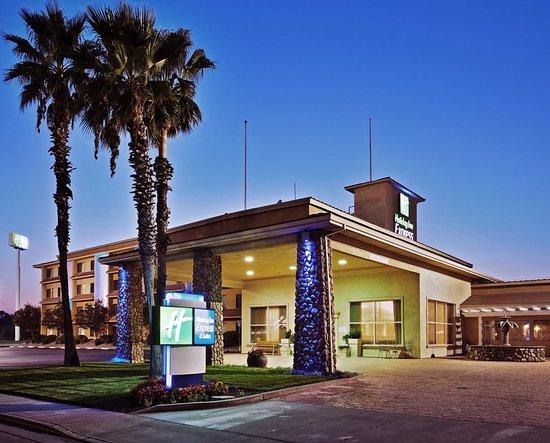 Corning, CA: Hotel Exterior