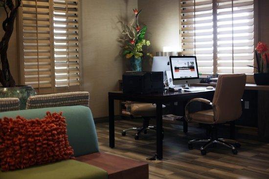 Chandler, AZ: Business Center