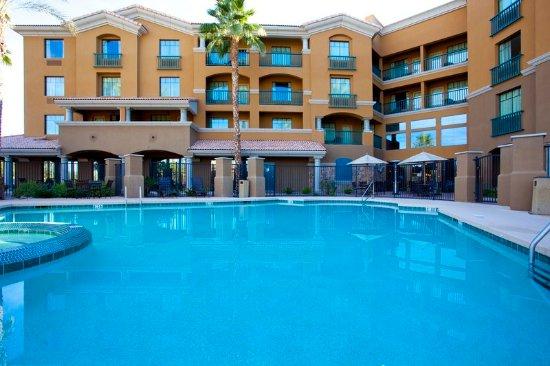 Chandler, AZ: Take a dip in our Beautiful Swimming Pool